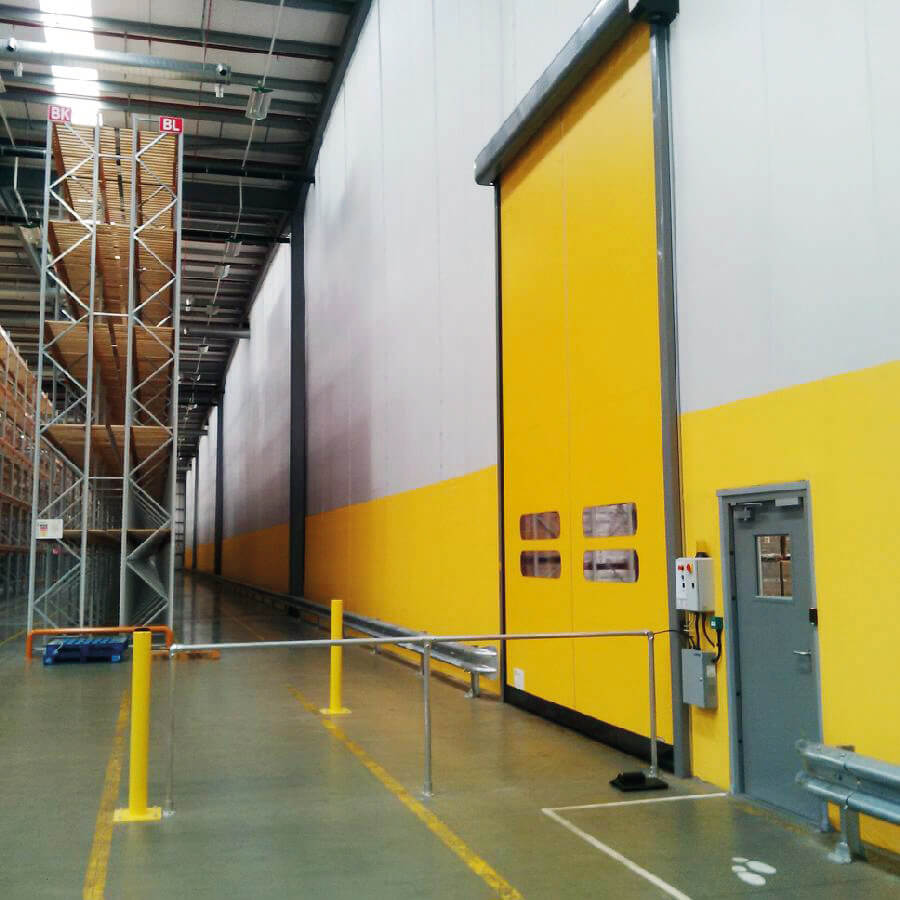 Flexiwall_yellow_white_FF_PD_DHL-Skelmersdale2014